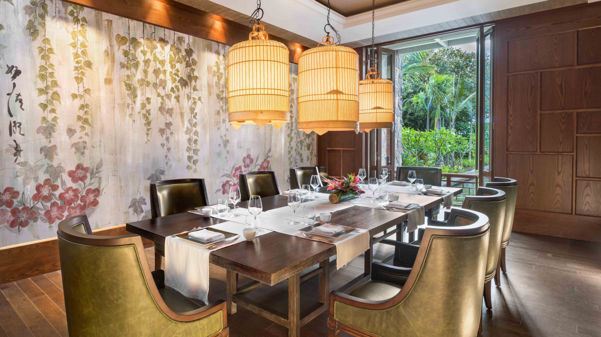 St. Regis Mauritius Private Dining at The Floating Market